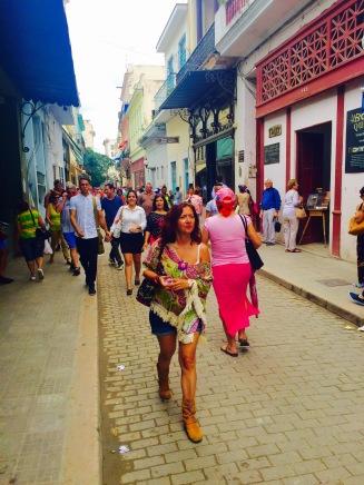 07 look un paseo por la habana cuarenta y tantos looks por estrella villatoro moda para mas de 40 años03