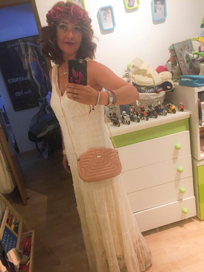 moda para mujeres de cuarenta y tantos por estrella villatoro look despedida de soltera 1