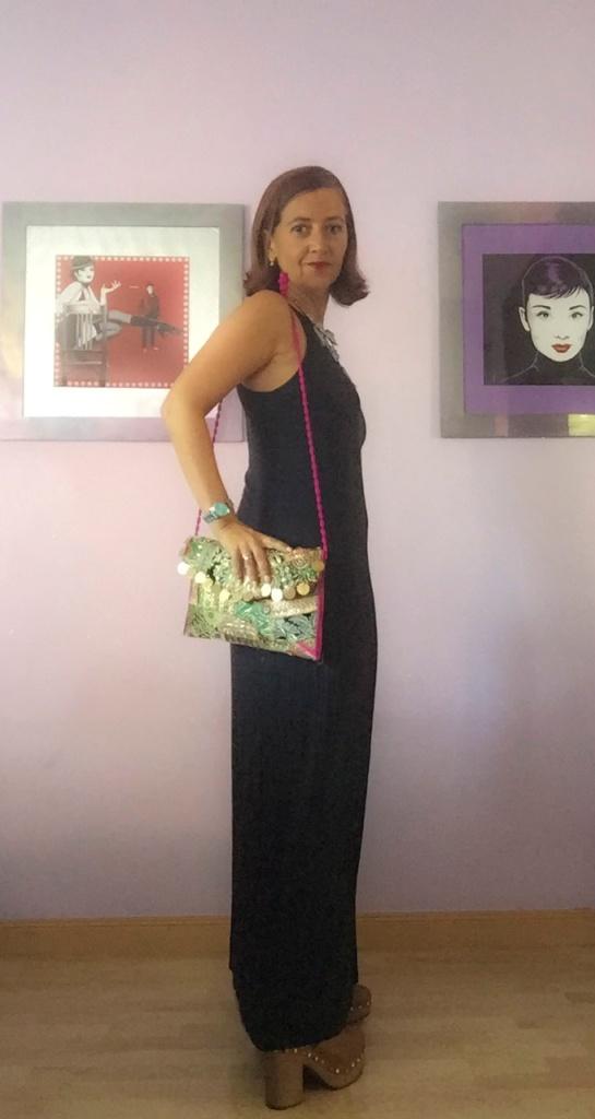 look vestido negro cuarenta y tantos looks por estrella villatoro moda para mas de 40 años01