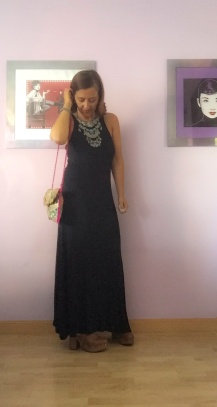 look vestido negro cuarenta y tantos looks por estrella villatoro moda para mas de 40 años06