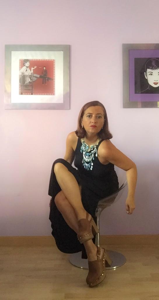 look vestido negro cuarenta y tantos looks por estrella villatoro moda para mas de 40 años16