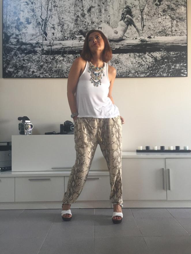 pantalones baggy cuarenta y tantos looks por estrella villatoro moda para mas de 40 años13